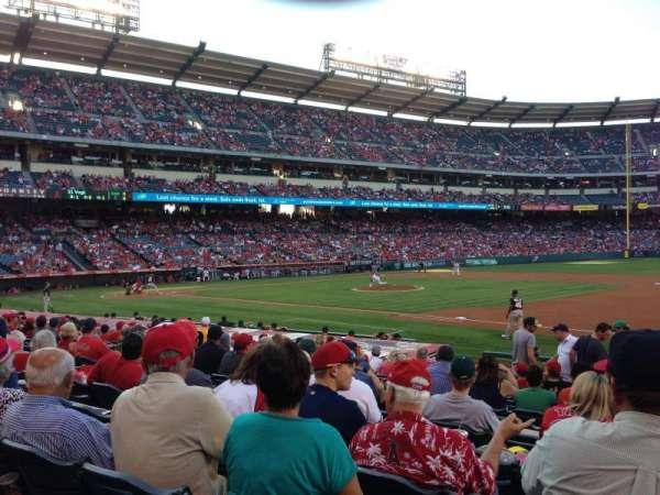 Angel Stadium, secção: 126, fila: P, lugar: 18