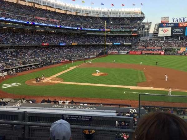 Yankee Stadium, secção: 216, fila: 3, lugar: 1