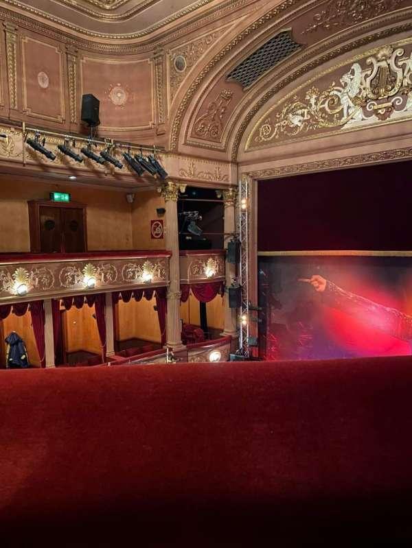 Lyric Theatre (West End), secção: Grand Circle, fila: A, lugar: 17