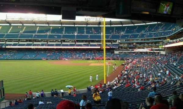 Angel Stadium, secção: T201, fila: J, lugar: 11,12