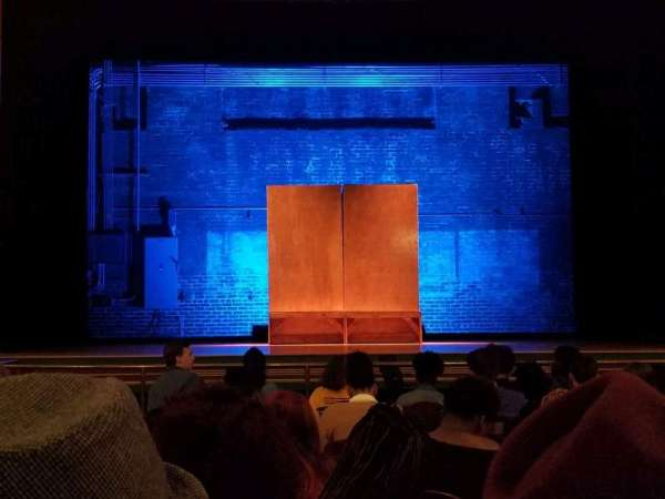 Attucks Theatre, secção: Orch C, fila: J, lugar: 6