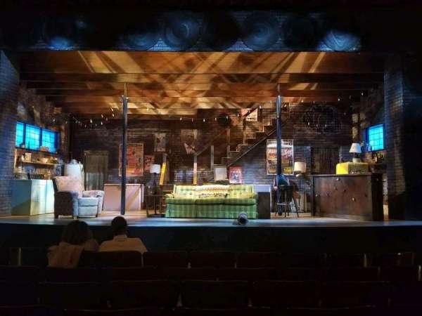 Wells Theatre, secção: ORCH CTR, fila: G, lugar: 8