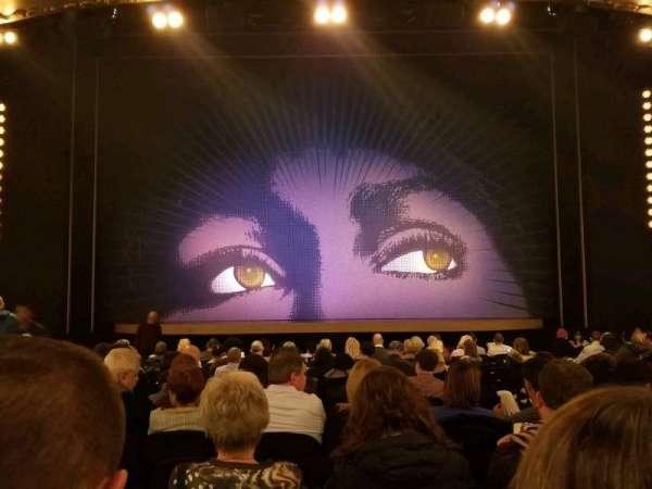 Lunt-Fontanne Theatre, secção: Orchestra C, fila: R, lugar: 108