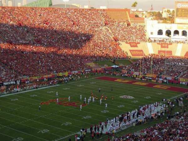 Los Angeles Memorial Coliseum, secção: 10L, lugar: 1