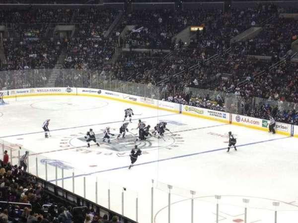 Staples Center, secção: 210