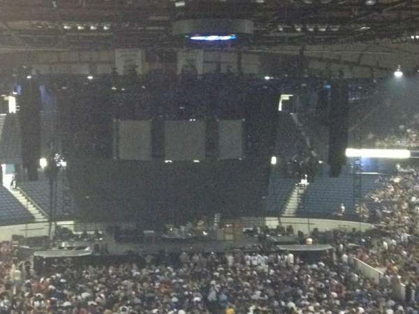 Allstate Arena, secção: 214