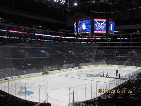 Staples Center, secção: 214