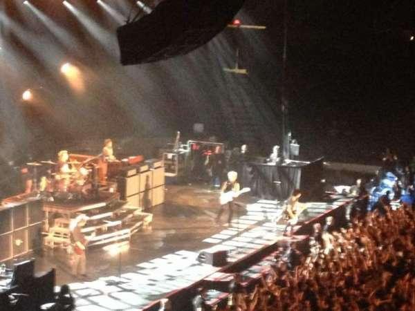 Allstate Arena, secção: 203, fila: D, lugar: 8