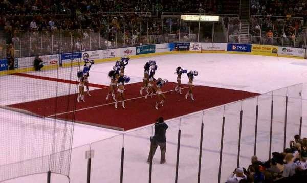 Carver Arena, secção: 17, fila: 3, lugar: 1