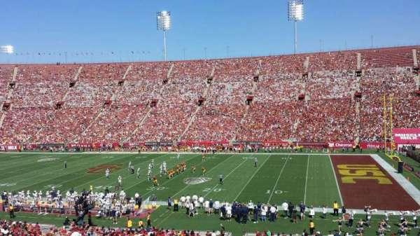 Los Angeles Memorial Coliseum, secção: 5H, fila: 43, lugar: 105W