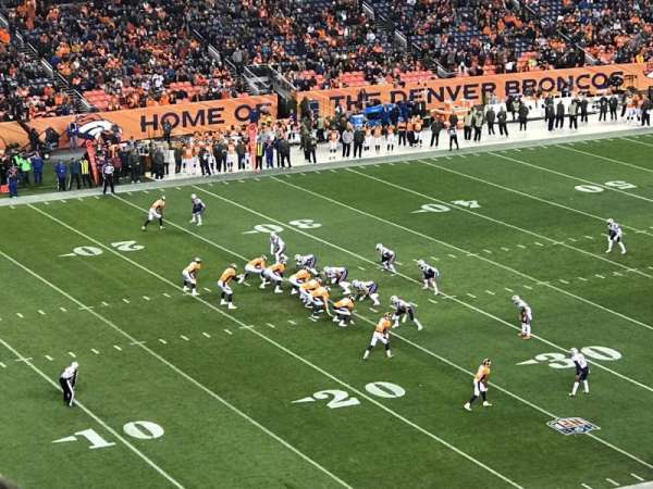 Empower Field at Mile High Stadium, secção: 343, fila: 10, lugar: 7