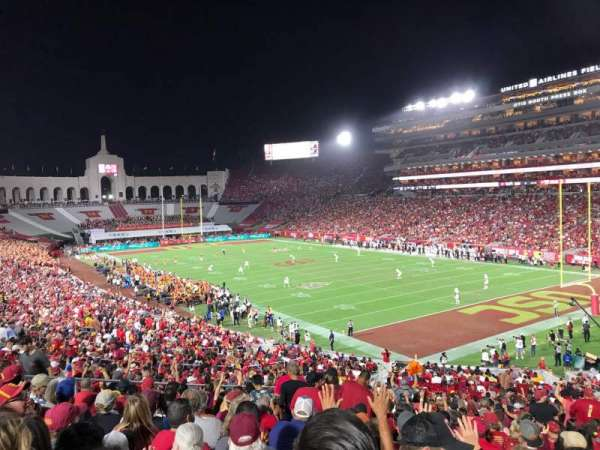 Los Angeles Memorial Coliseum, secção: 117, fila: 43, lugar: 12