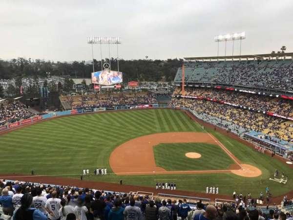 Dodger Stadium, secção: 17RS, fila: EE, lugar: 10