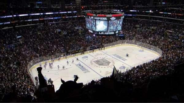 Staples Center, secção: 321, fila: 12, lugar: 17