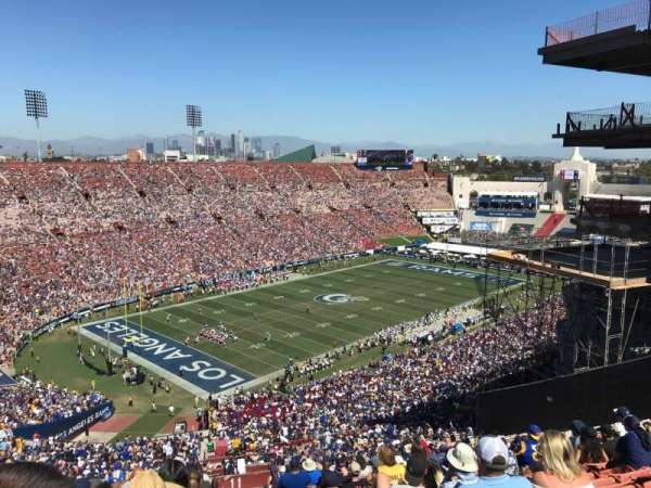 Los Angeles Memorial Coliseum, secção: 311, fila: 25, lugar: 2