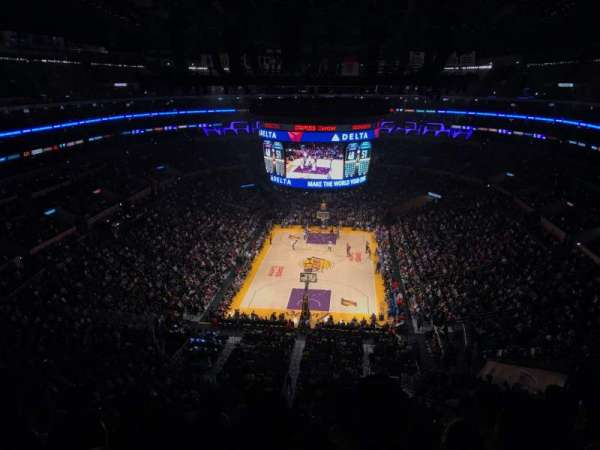 Staples Center, secção: 309, fila: 6, lugar: 8