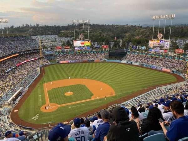 Dodger Stadium, secção: 10TD, fila: O, lugar: 1