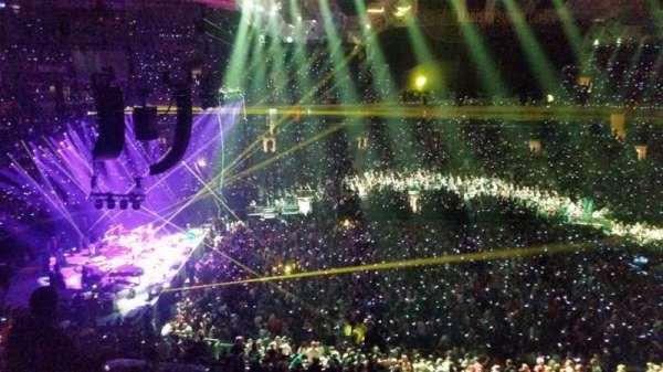 Madison Square Garden, secção: 210, fila: 12, lugar: 3