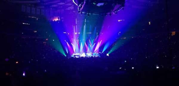 Madison Square Garden, secção: 1, fila: 18, lugar: 1