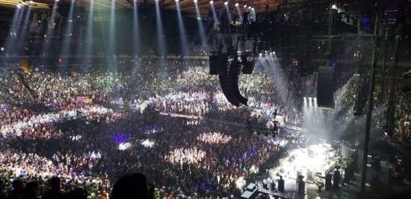 Madison Square Garden, secção: 214, fila: 8, lugar: 8