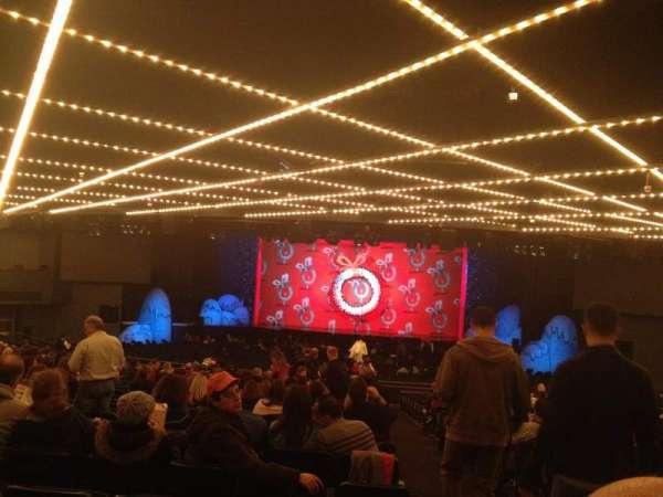 Hulu Theater at Madison Square Garden, secção: 200, fila: Z, lugar: 19 and 20