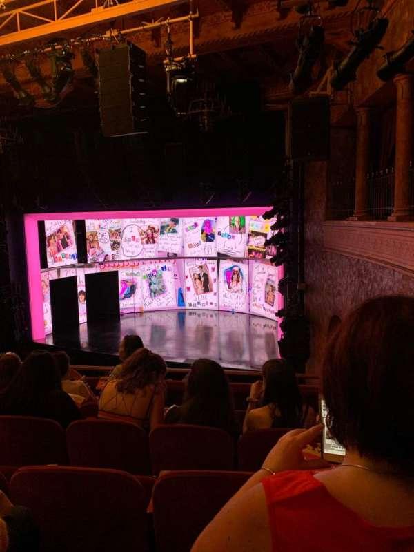 August Wilson Theatre, secção: Mezzanine R, fila: E, lugar: 20