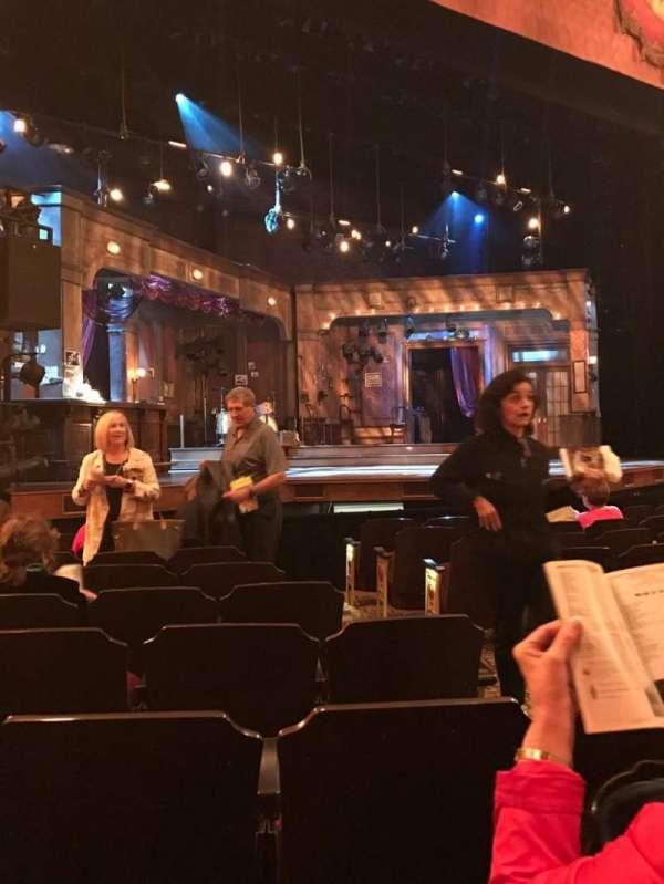 Bernard B. Jacobs Theatre, secção: Orchestra L, fila: I, lugar: 7