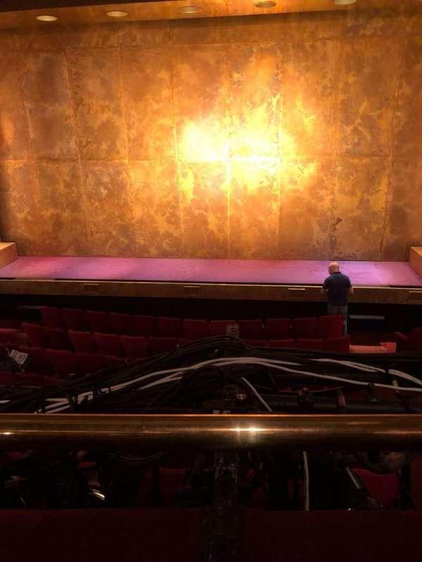 Cort Theatre, secção: Mezzanine C, fila: A, lugar: 110