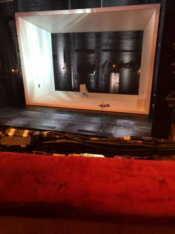 John Golden Theatre, secção: Front Mezzanine R, fila: A, lugar: 116