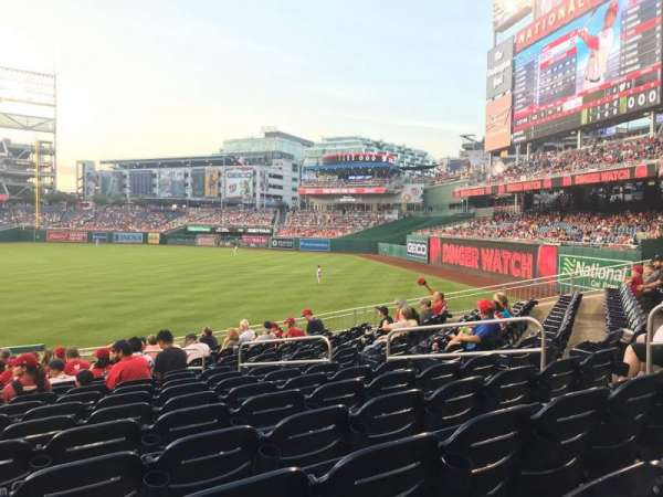 Nationals Park, secção: 136, fila: EE, lugar: 10