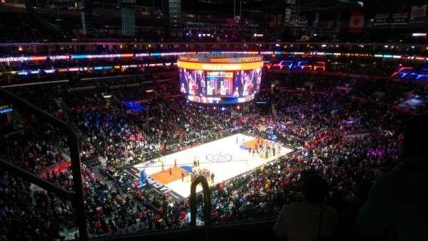 Staples Center, secção: 303, fila: 9, lugar: 16