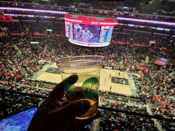 Staples Center, secção: 318, fila: 1, lugar: 1