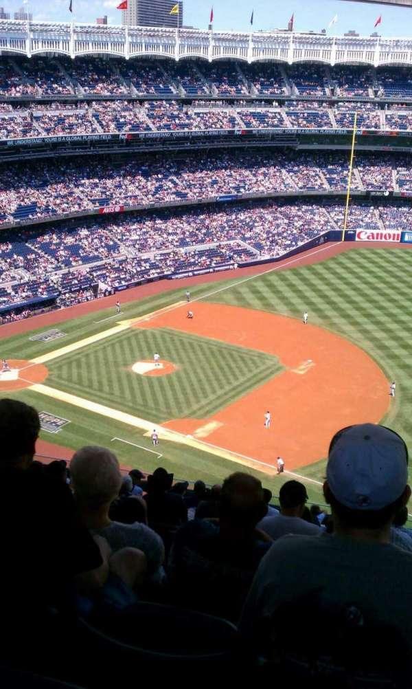 Yankee Stadium, secção: 413, fila: 14, lugar: 9