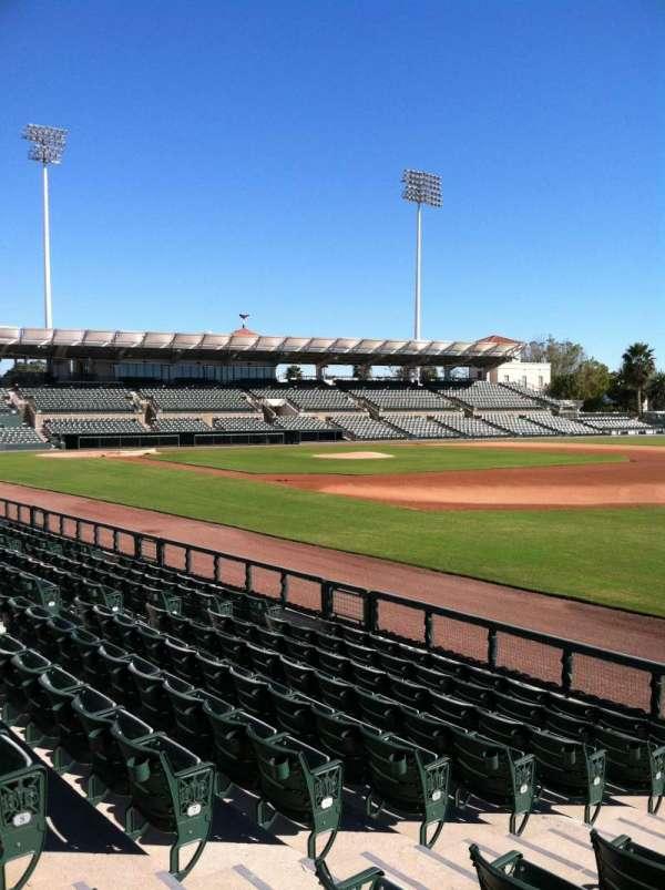 Ed Smith Stadium, secção: 102, fila: 7, lugar: 7