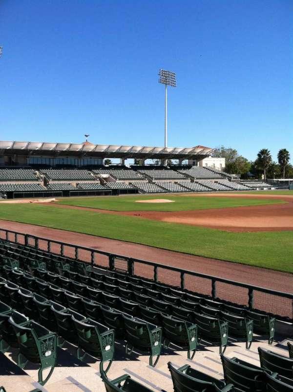 Ed Smith Stadium, secção: 103, fila: 8, lugar: 7