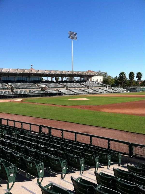 Ed Smith Stadium, secção: 104, fila: 8, lugar: 7