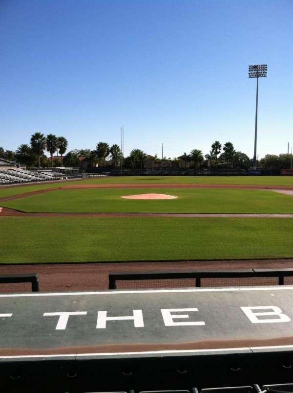 Ed Smith Stadium, secção: 109, fila: 8, lugar: 6