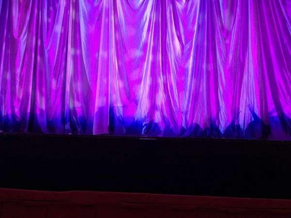 Cadillac Palace Theater, secção: Orchestra C, fila: 1, lugar: 113