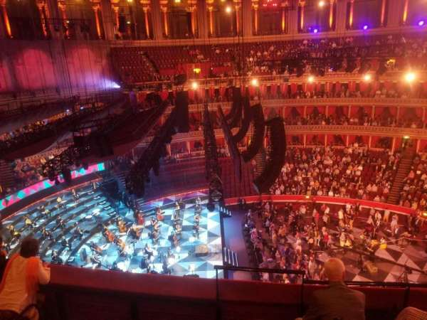 Royal Albert Hall, secção: Rausing Circle Q, fila: 3, lugar: 24