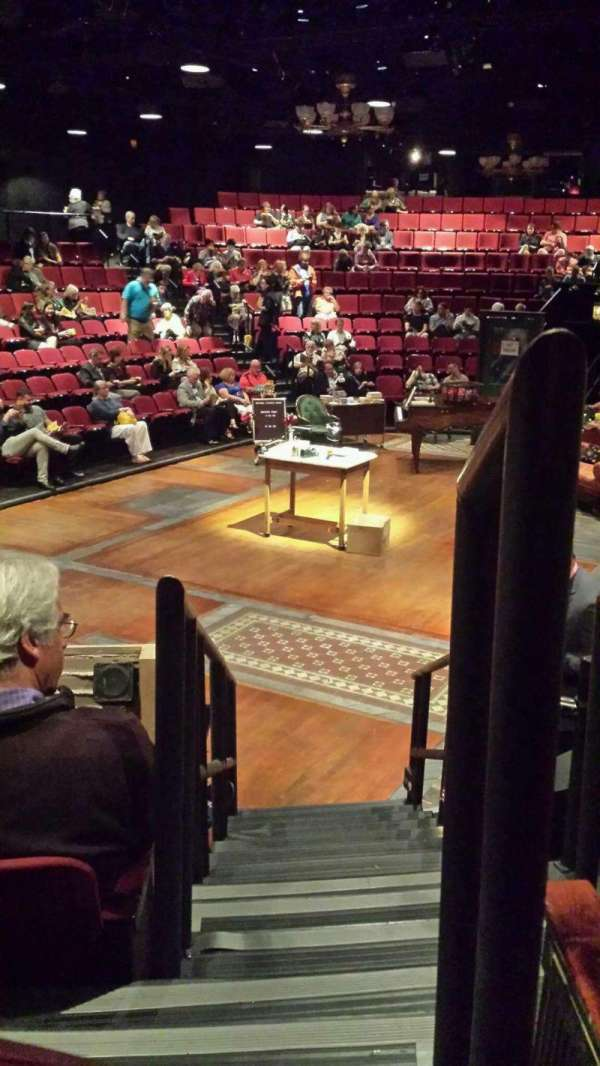 Circle in the Square Theatre, secção: Orchestra, fila: F, lugar: 421