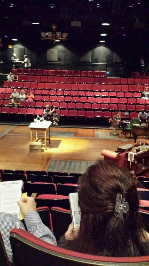 Circle in the Square Theatre, secção: Orchestra, fila: G, lugar: 221