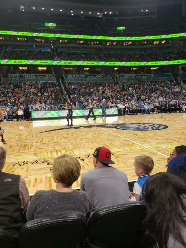 Amway Center, secção: Courtside E, fila: 3, lugar: 43