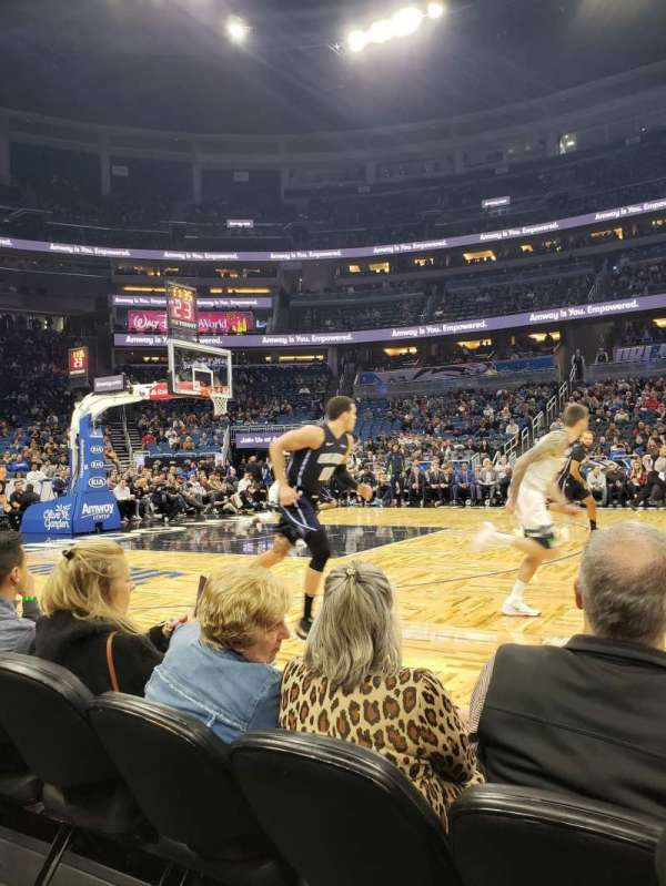 Amway Center, secção: Courtside E, fila: 3, lugar: 42