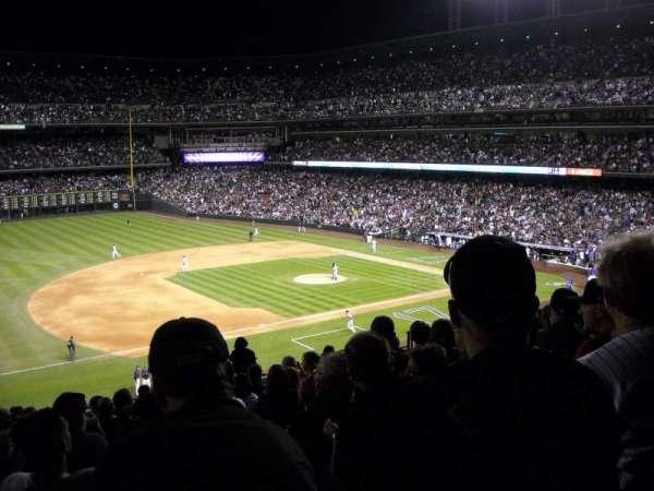 Coors Field, secção: 242, fila: 10, lugar: 13