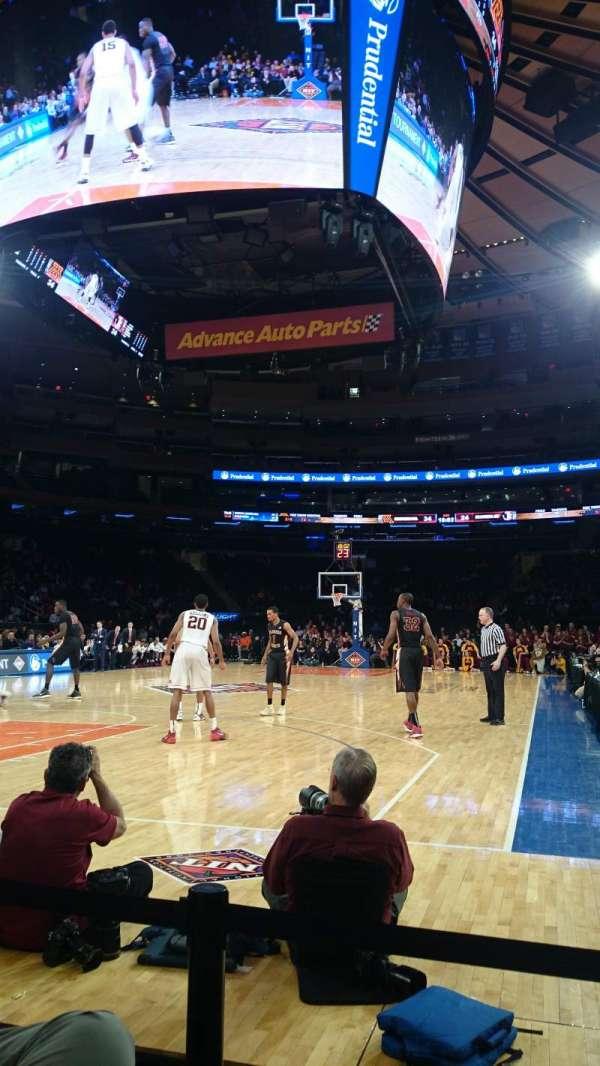 Madison Square Garden, secção: 8, fila: 01, lugar: XX