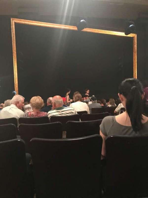 Ambassador Theatre, secção: Orchestra L, fila: N, lugar: 7