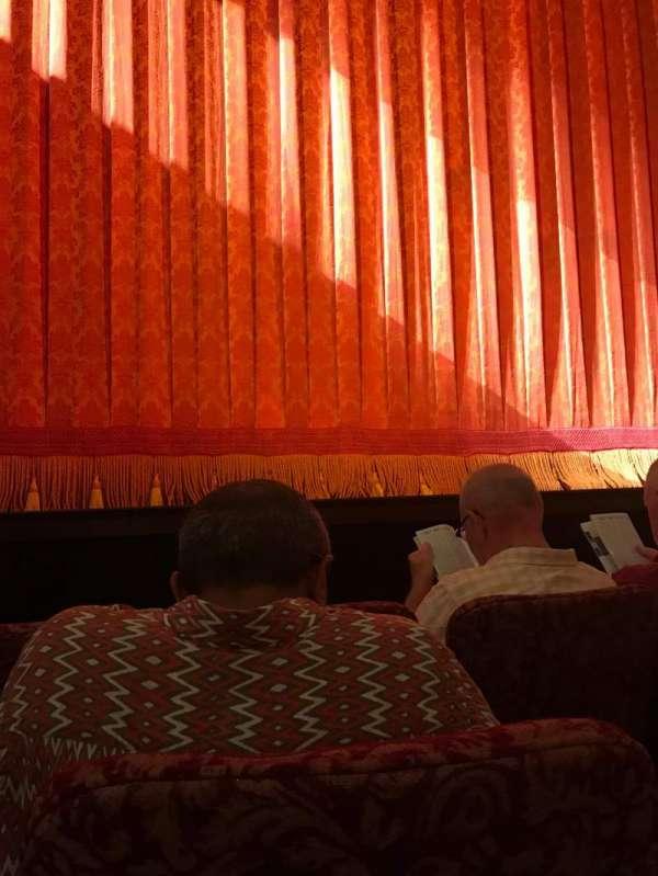St. James Theatre, secção: Orchestra, fila: A, lugar: 110