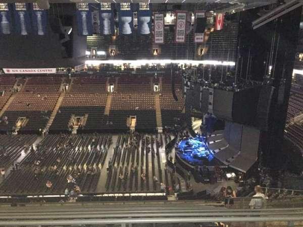 Scotiabank Arena, secção: 320, fila: 13 , lugar: 6