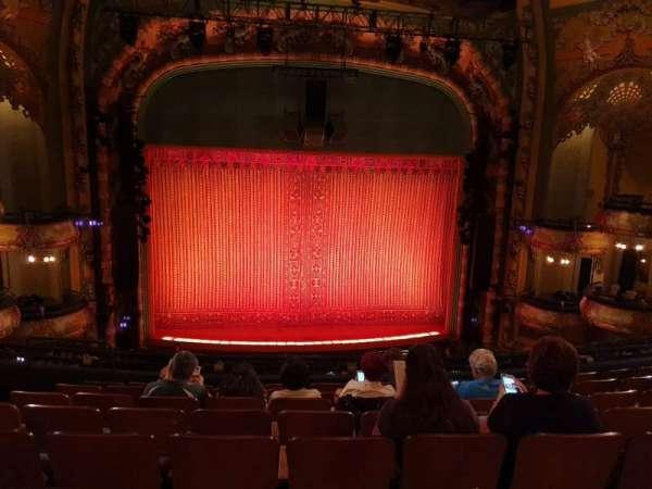 New Amsterdam Theatre, secção: Mezzanine C, fila: HH, lugar: 113