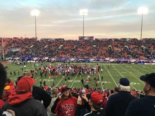 Sam Boyd Stadium, secção: 128, fila: 30, lugar: 1